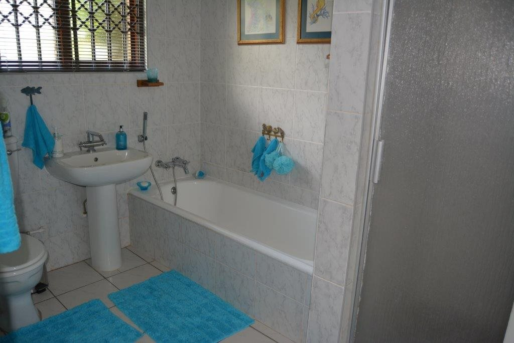 Umtentweni property for sale. Ref No: 13396232. Picture no 12