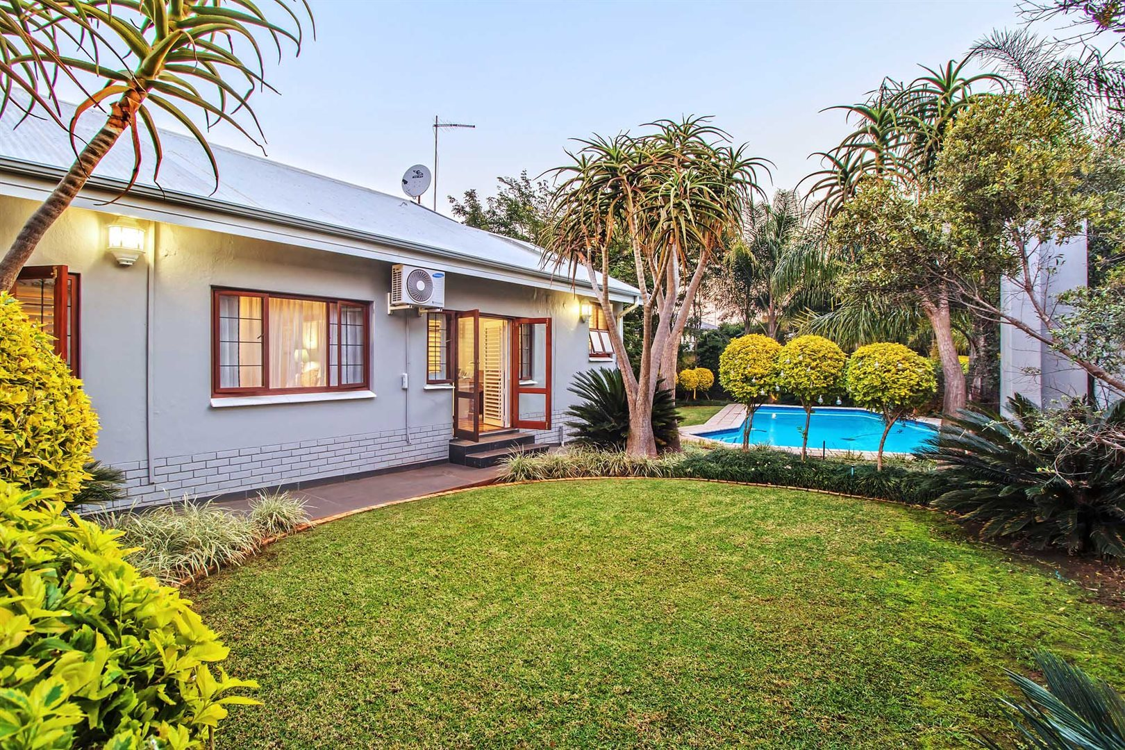 Property and Houses for sale in Rietondale, House, 3 Bedrooms - ZAR 3,699,000