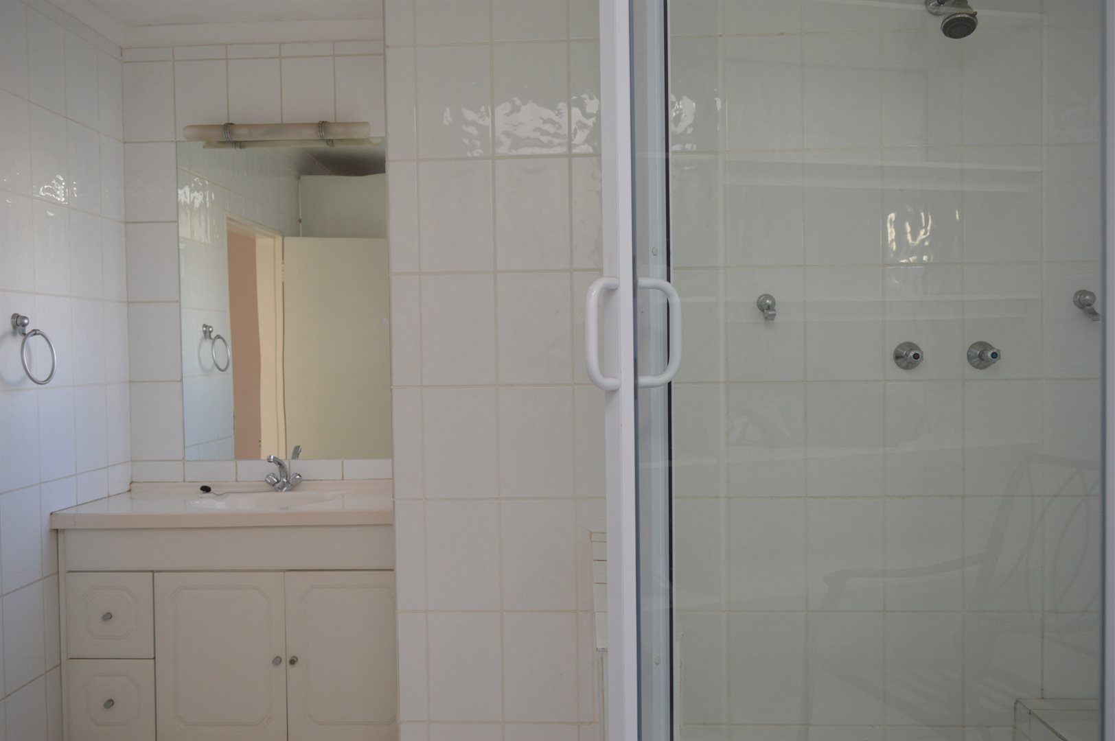 Highlands North property for sale. Ref No: 13649352. Picture no 16