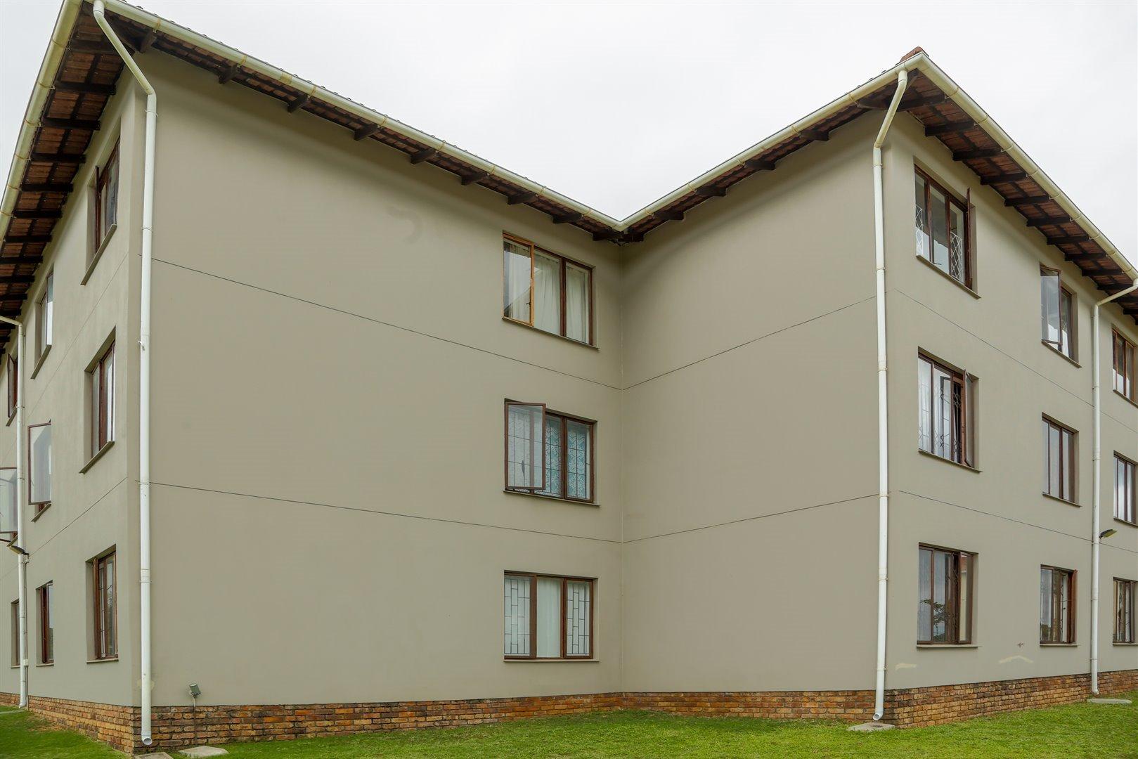 Brackenham property for sale. Ref No: 13481259. Picture no 19