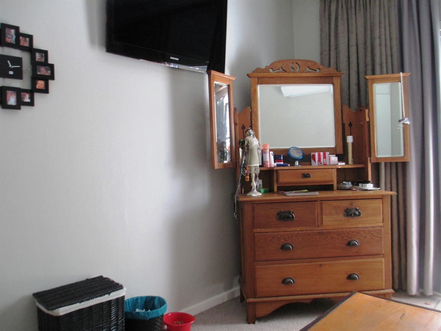 Clubview property to rent. Ref No: 13459872. Picture no 19