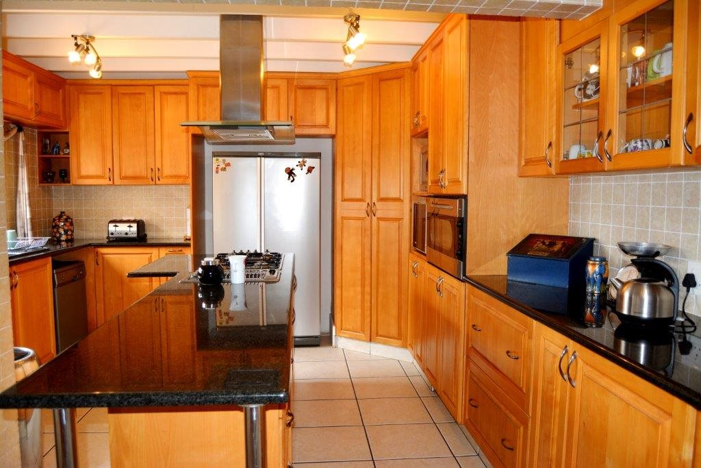 Ramsgate property for sale. Ref No: 13393547. Picture no 11