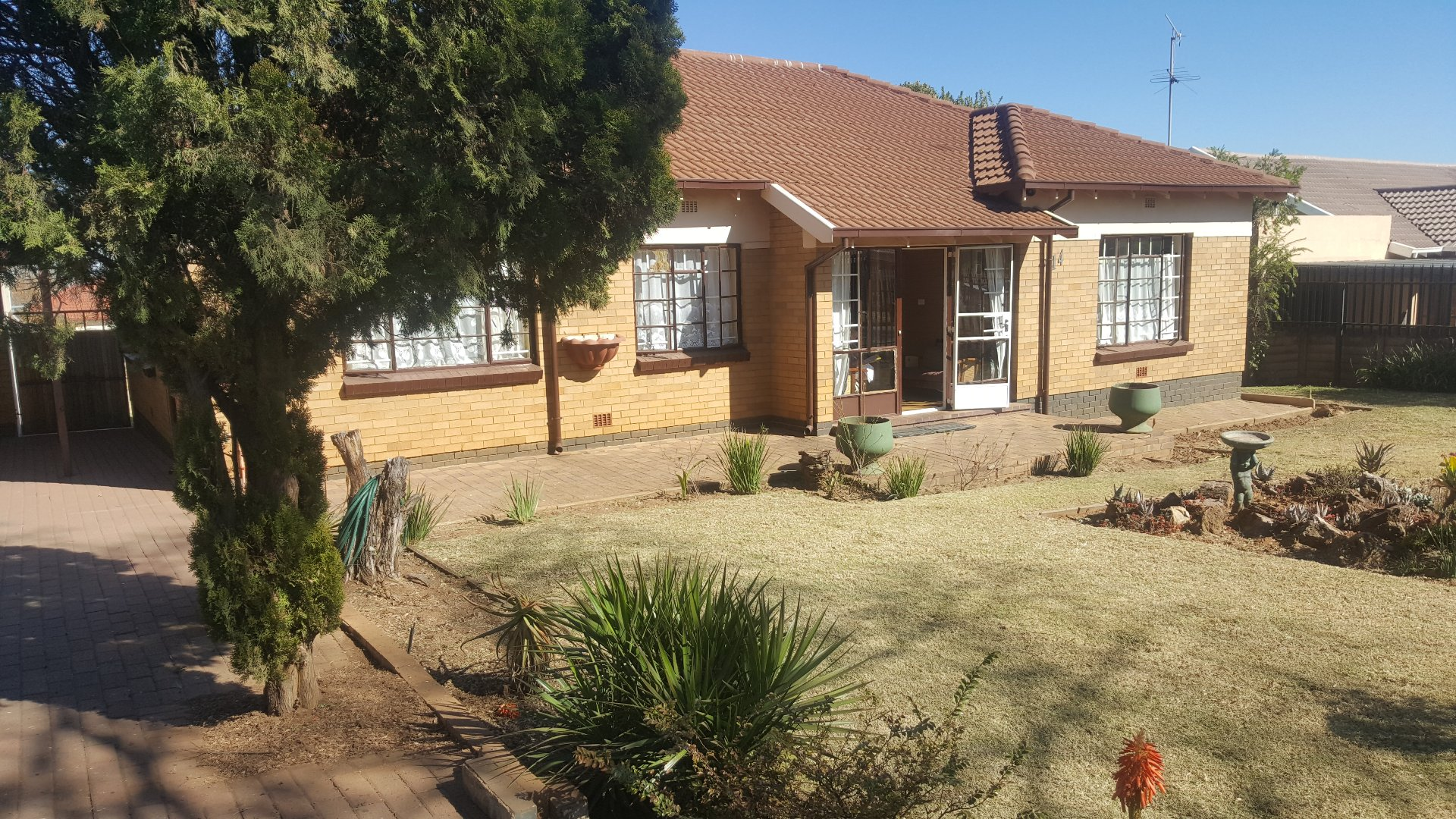 Roodepoort, Horison Property  | Houses For Sale Horison, Horison, House 3 bedrooms property for sale Price:980,000