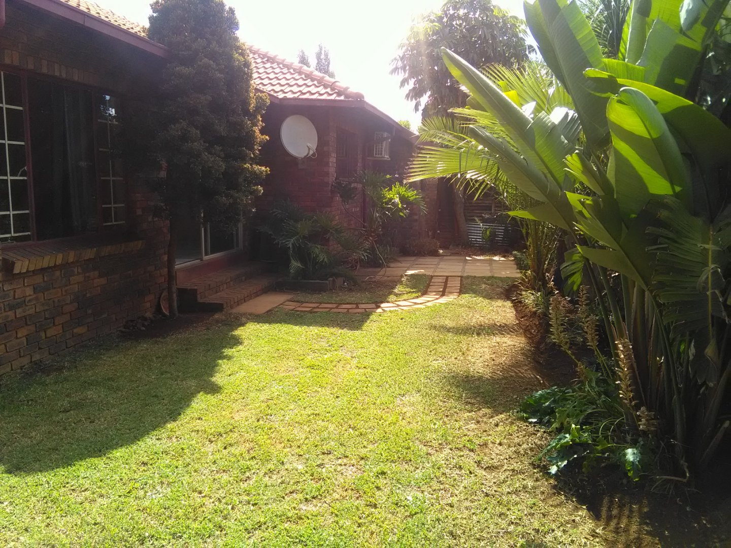 Property and Houses for sale in Rooihuiskraal North, House, 3 Bedrooms - ZAR 1,400,000