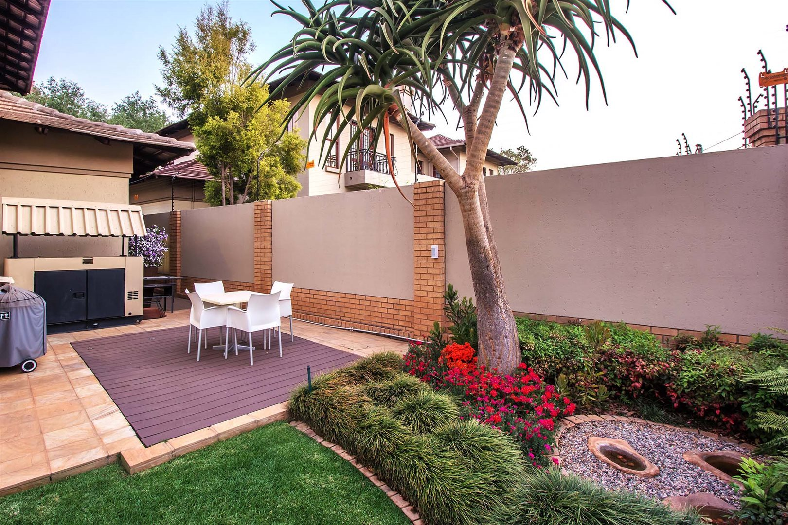 Waterkloof Ridge property for sale. Ref No: 13535230. Picture no 15
