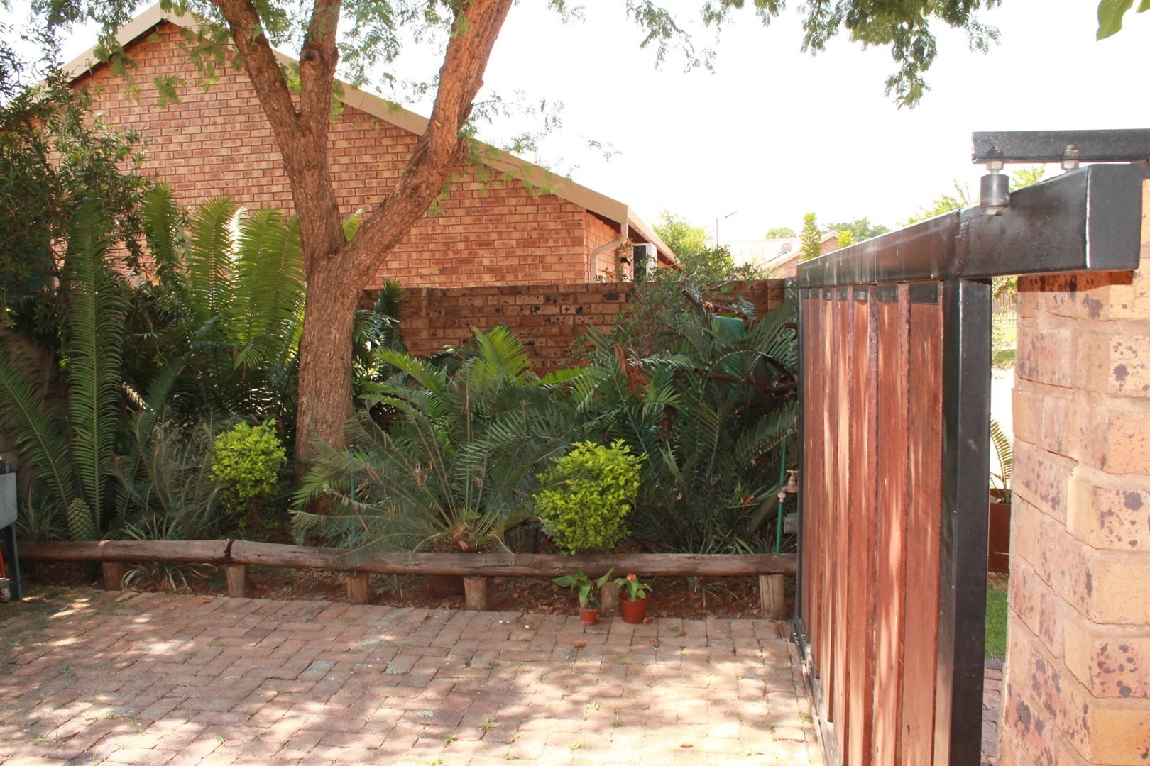Property and Houses for sale in Theresapark, House, 7 Bedrooms - ZAR 3,495,000
