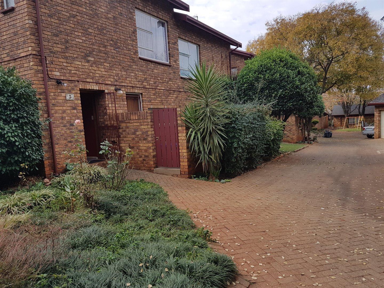 Centurion, Hennopspark Property  | Houses For Sale Hennopspark, Hennopspark, Townhouse 3 bedrooms property for sale Price:1,450,000
