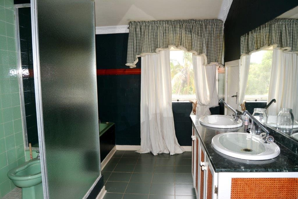 Woodgrange property for sale. Ref No: 13413908. Picture no 19