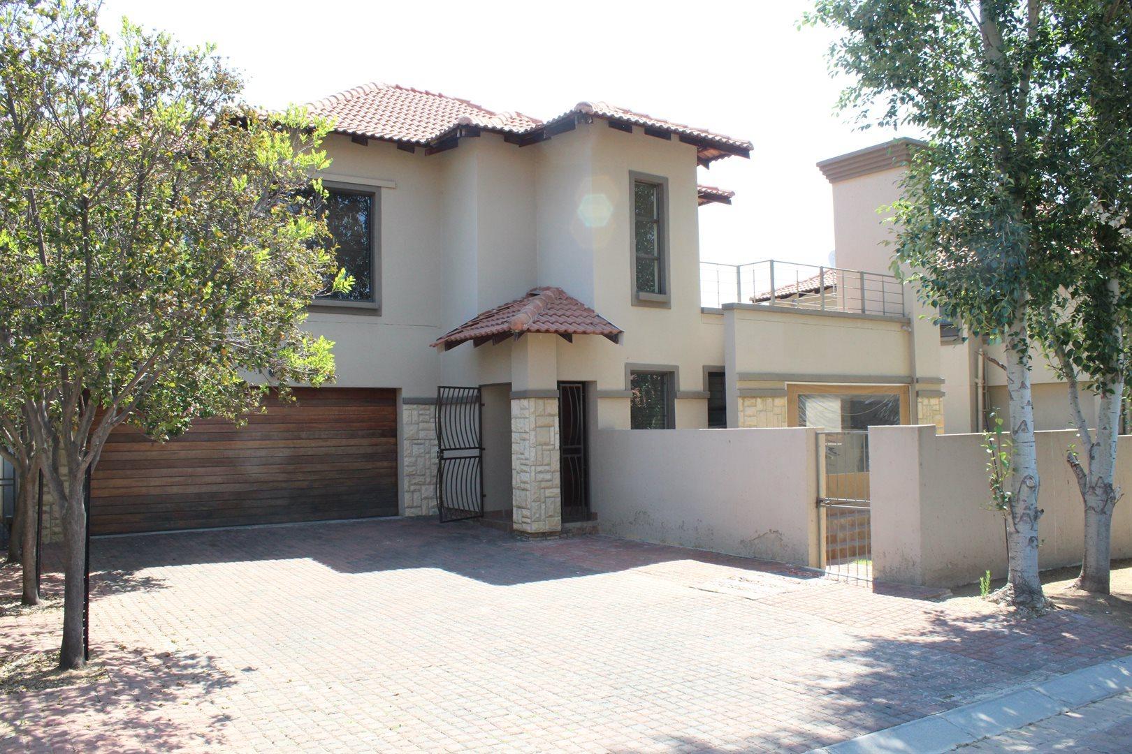 Sandton, Broadacres Property    Houses To Rent Broadacres, Broadacres, Townhouse 3 bedrooms property to rent Price:, 16,00*