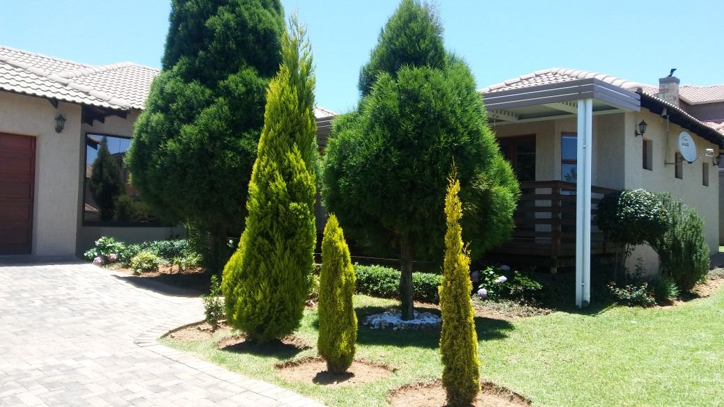 Willowbrook property for sale. Ref No: 13573739. Picture no 24