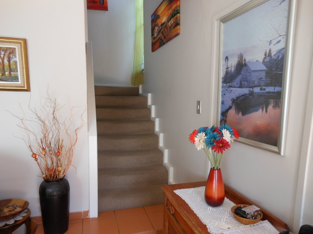 Lynnwood property for sale. Ref No: 13509651. Picture no 5