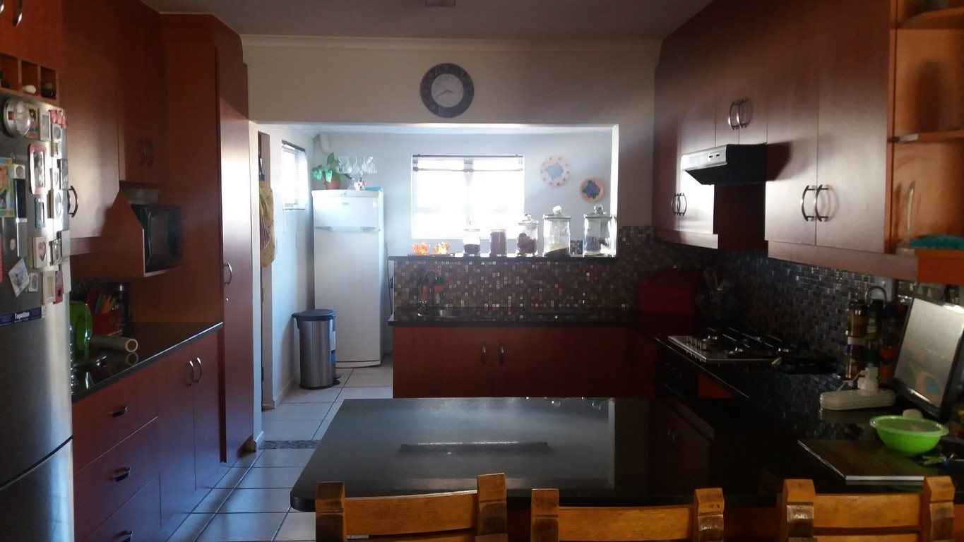 Country Club property for sale. Ref No: 13567857. Picture no 5