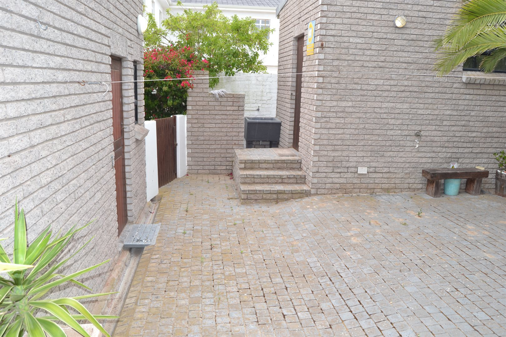 Myburgh Park property for sale. Ref No: 13555161. Picture no 17