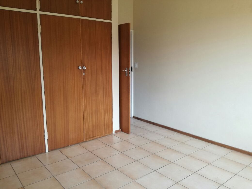 Zwartkop property for sale. Ref No: 13555163. Picture no 4