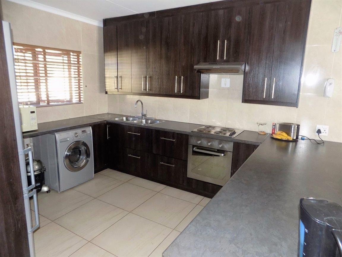 Alberton property for sale. Ref No: 13393819. Picture no 10