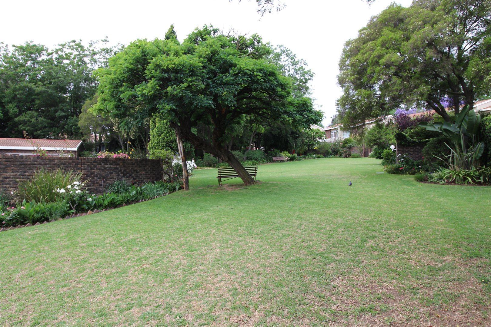 Bryanston property for sale. Ref No: 13552406. Picture no 27