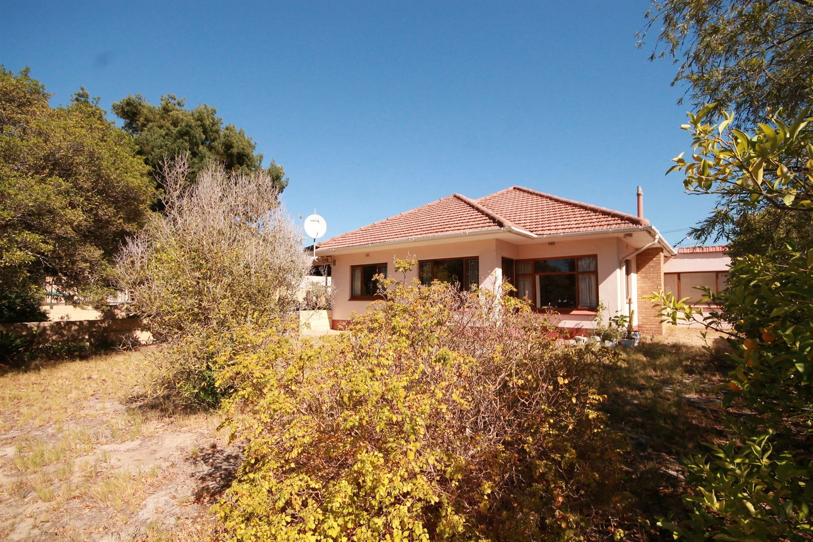 Pinelands property for sale. Ref No: 13463493. Picture no 4