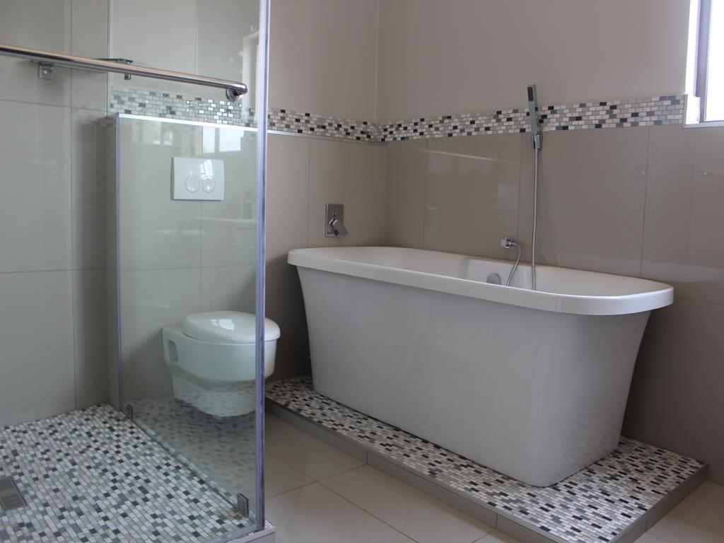 Celtisdal property for sale. Ref No: 13230610. Picture no 15