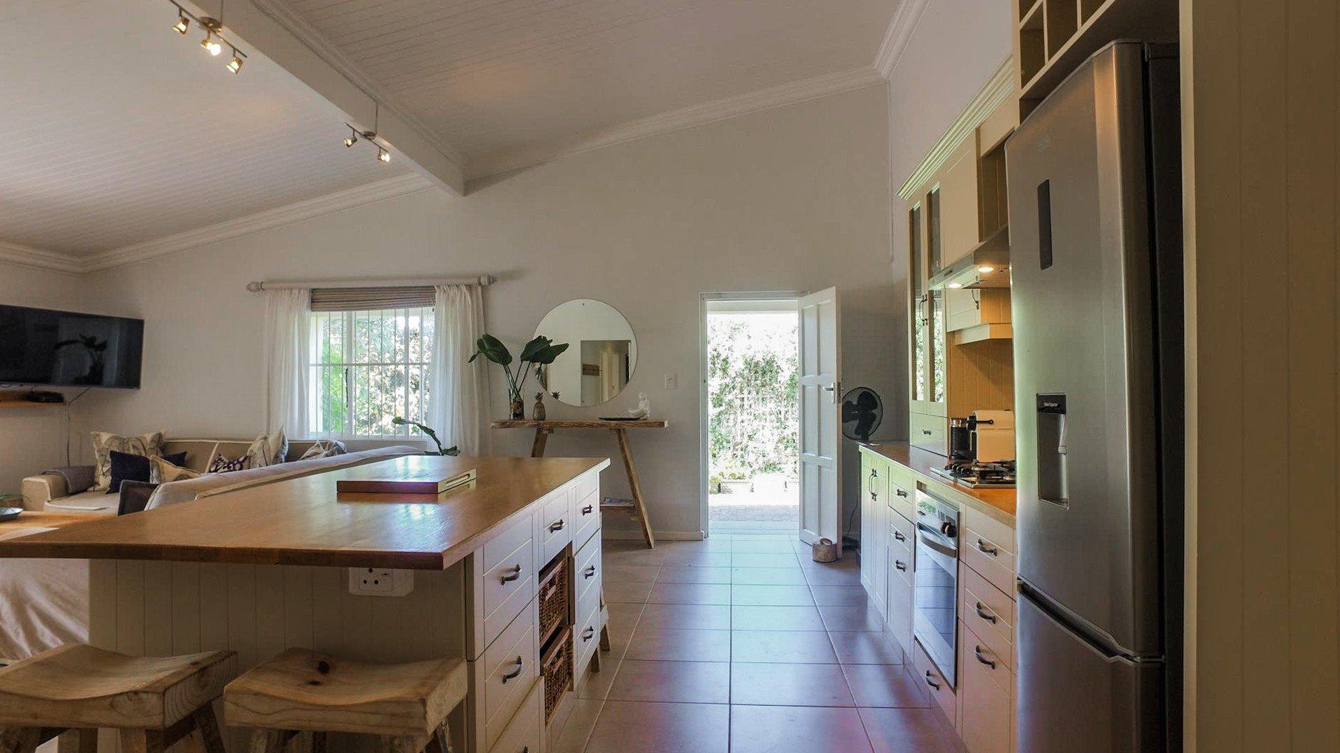 Pennington property for sale. Ref No: 13618417. Picture no 10