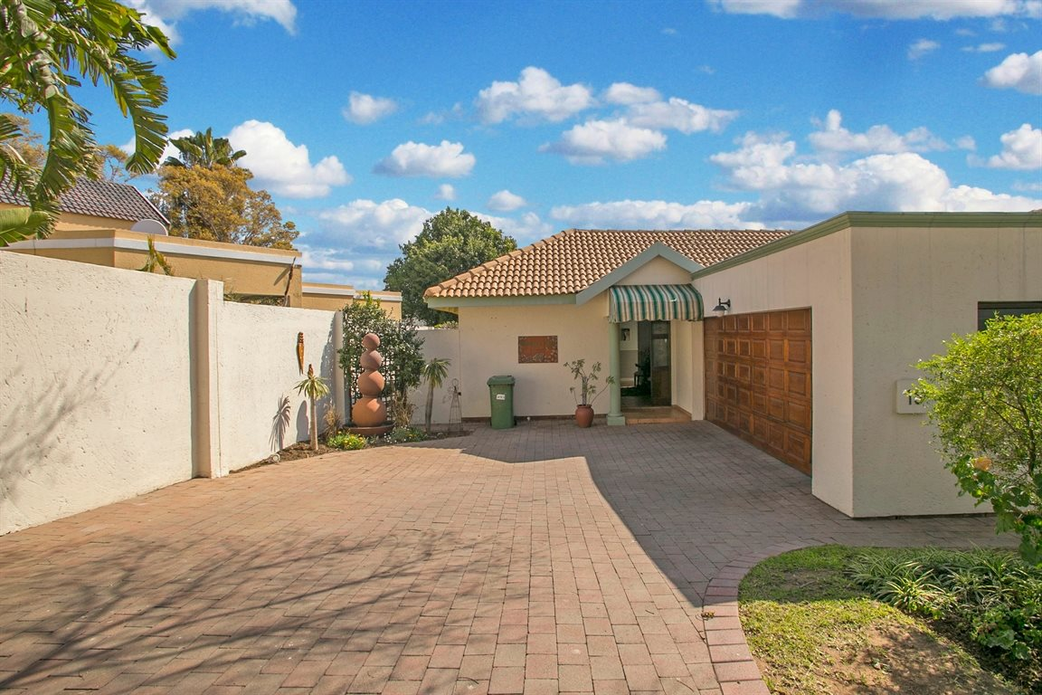 Fourways property for sale. Ref No: 13378870. Picture no 26