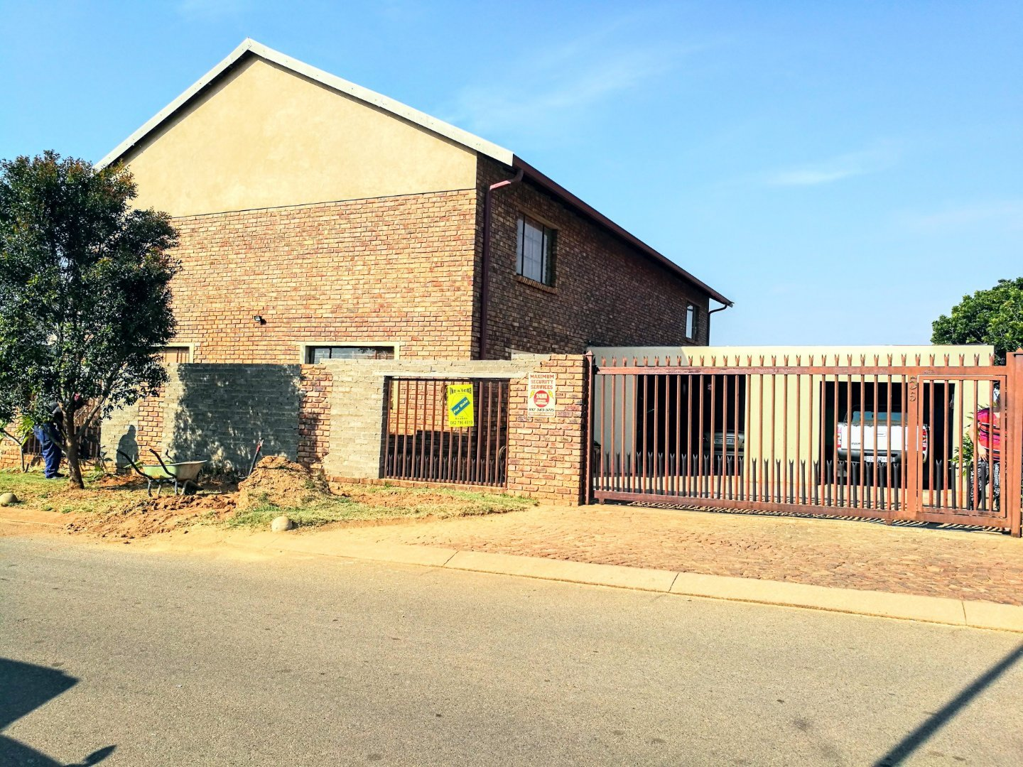 Property and Houses for sale in Chantelle, House, 3 Bedrooms - ZAR 1,300,000
