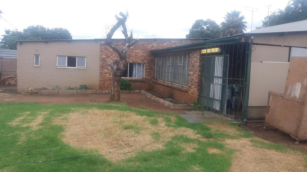 Pretoria West property for sale. Ref No: 13553014. Picture no 20