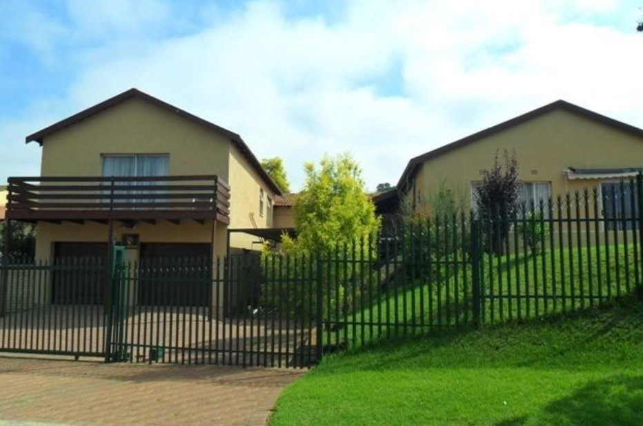 Johannesburg, Oakdene Property  | Houses For Sale Oakdene, Oakdene, House 4 bedrooms property for sale Price:1,995,000