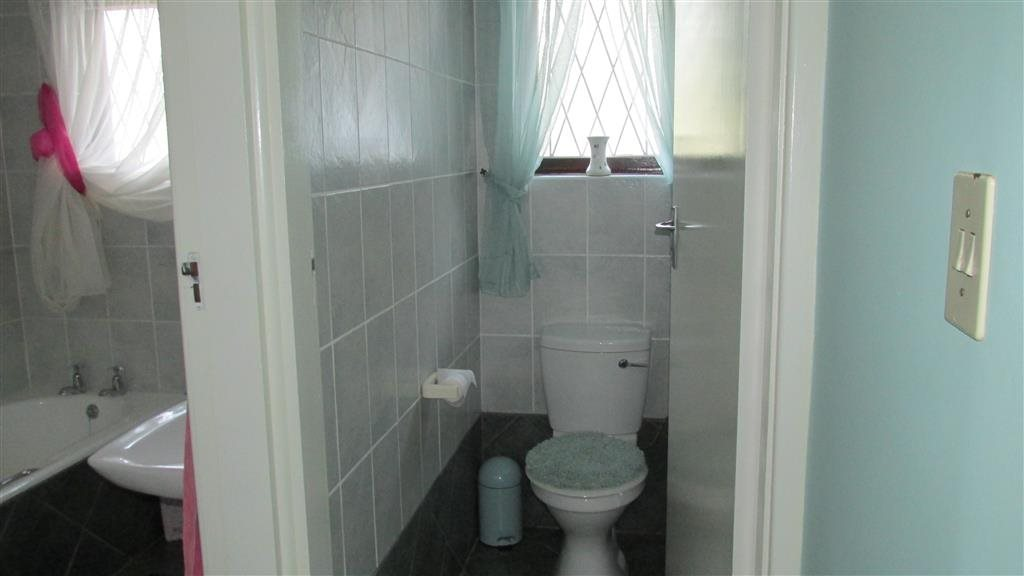 Ramsgate property for sale. Ref No: 13348810. Picture no 15