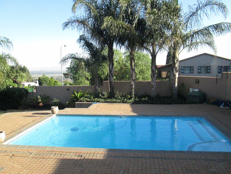 Glenvista property to rent. Ref No: 13552423. Picture no 27