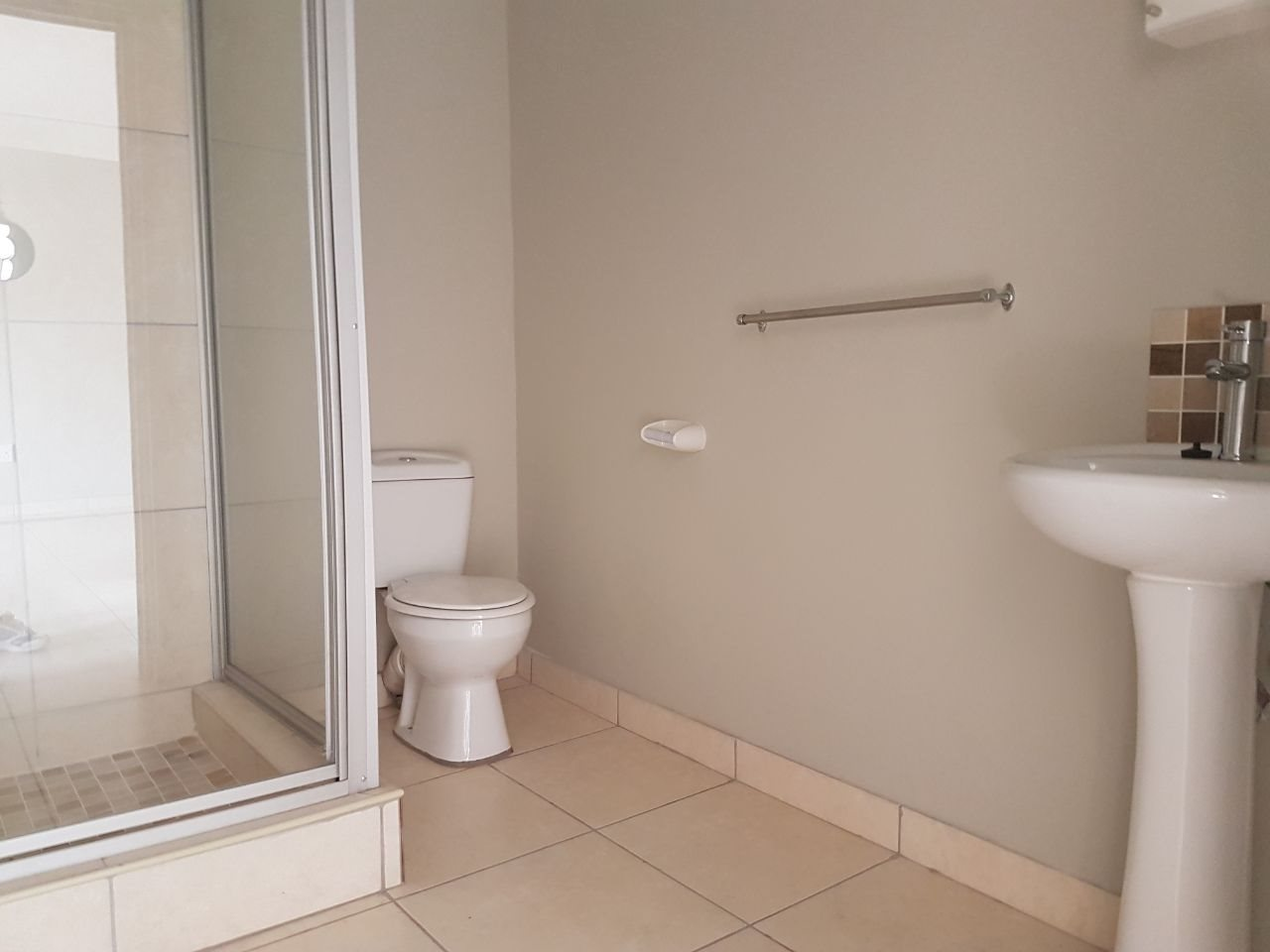 Meer En See property to rent. Ref No: 13537093. Picture no 10