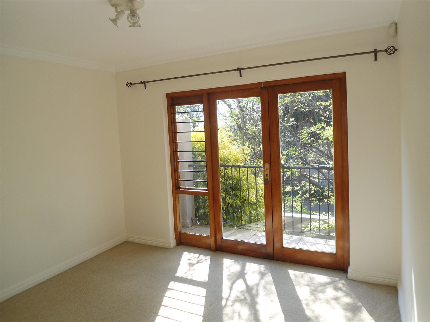 Sunset Acres property to rent. Ref No: 13529376. Picture no 16
