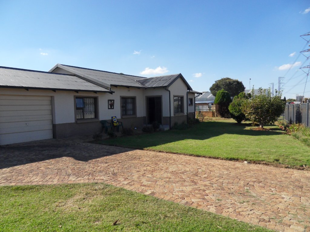 Johannesburg, Tulisa Park Property  | Houses For Sale Tulisa Park, Tulisa Park, House 4 bedrooms property for sale Price:1,149,000