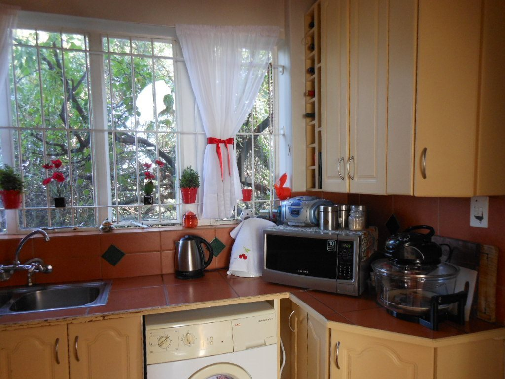 Lynnwood property for sale. Ref No: 13509651. Picture no 3