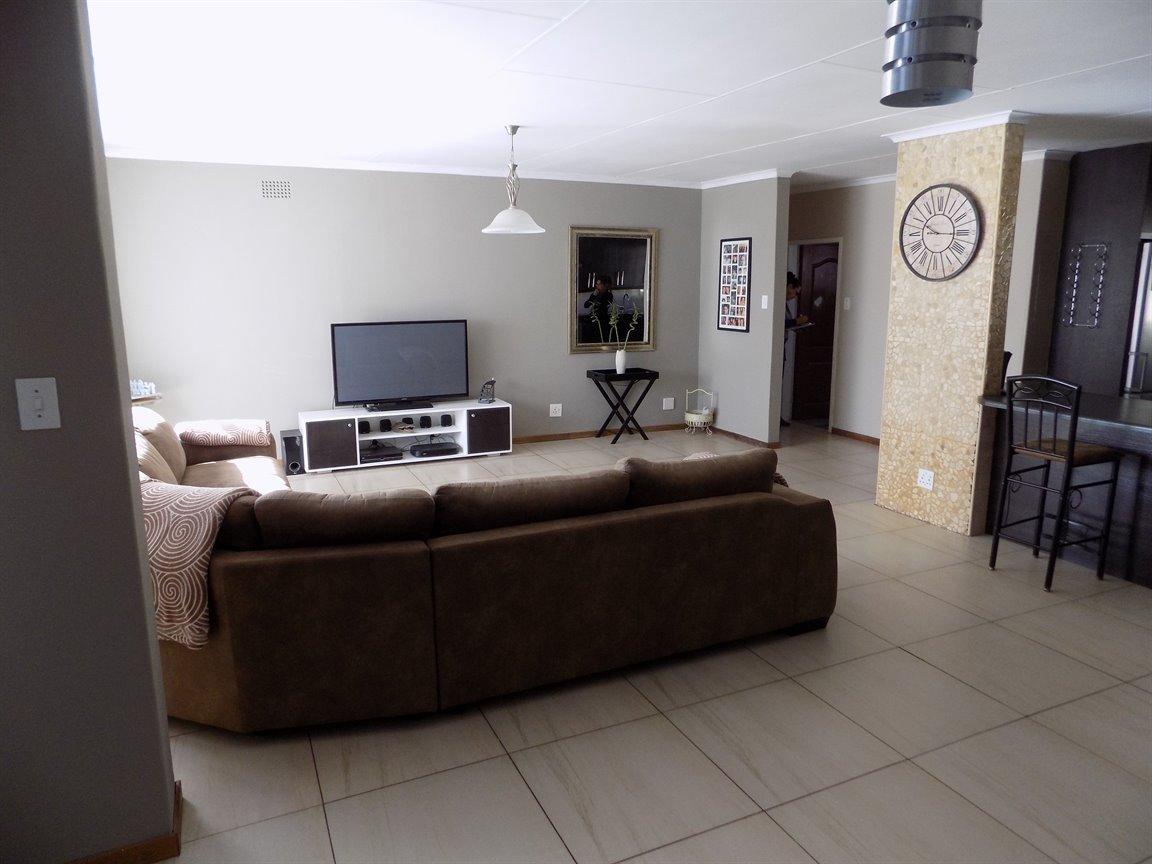 Alberton property for sale. Ref No: 13393819. Picture no 7