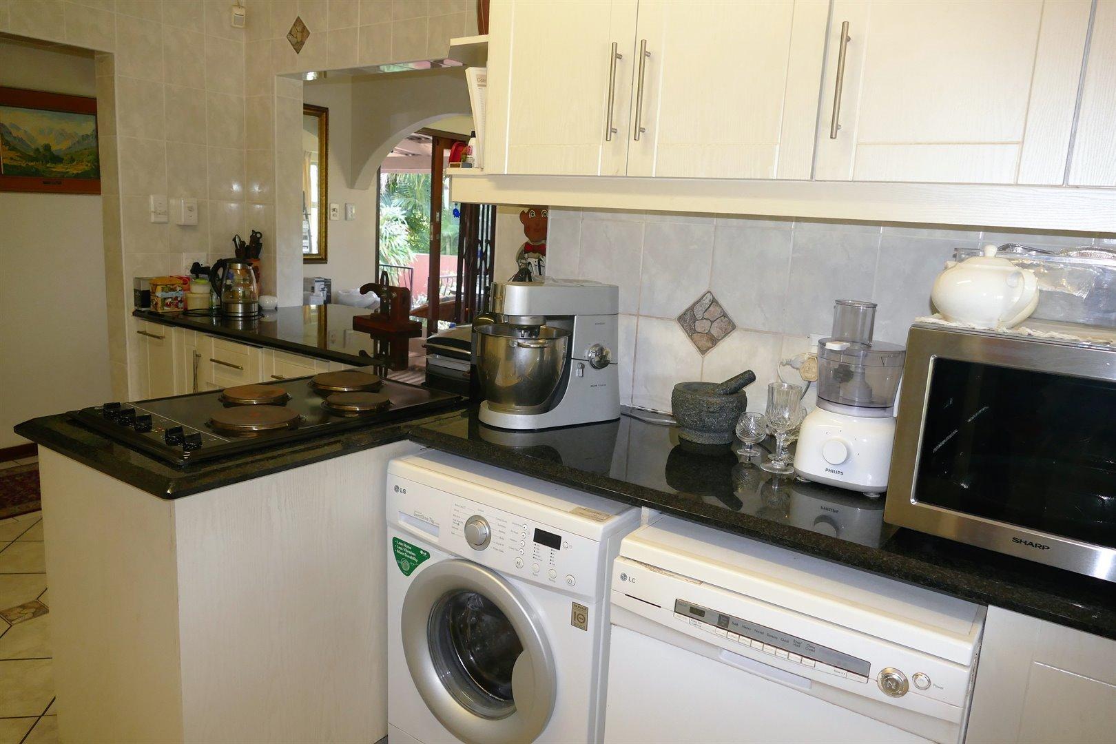 Scottburgh South property for sale. Ref No: 13476955. Picture no 13