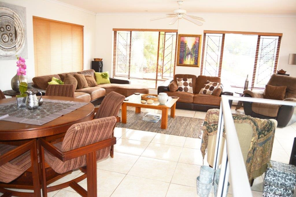 Margate property for sale. Ref No: 12779071. Picture no 10