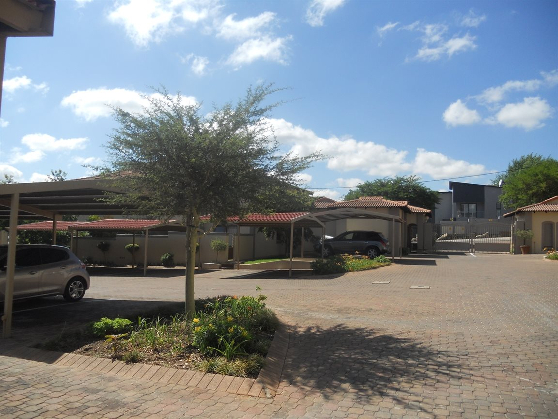 Bryanston property to rent. Ref No: 13270639. Picture no 2