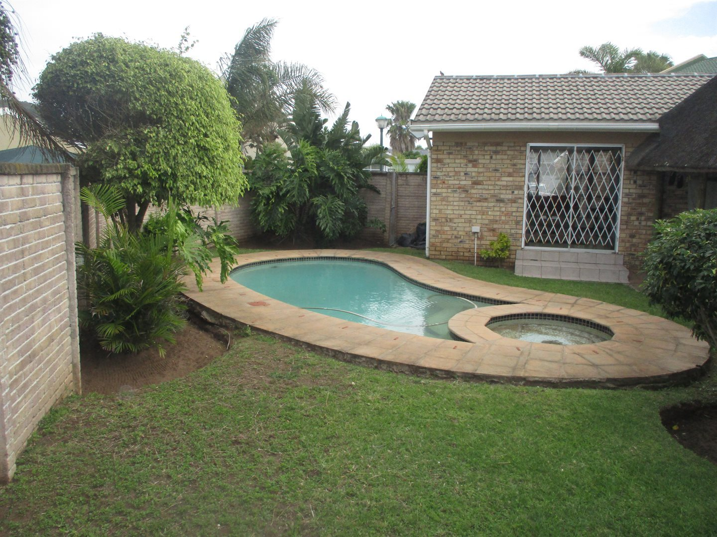 Property for Sale by DLC INC. ATTORNEYS Graham Hodson, House, 3 Bedrooms - ZAR 1,780,000