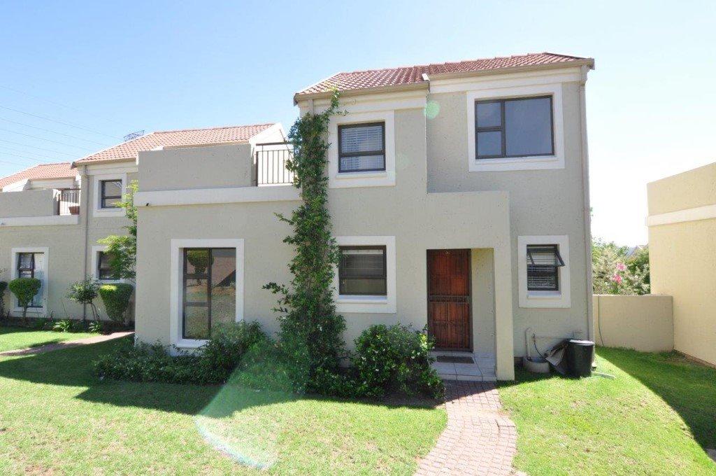 Sandton, Broadacres Property    Houses To Rent Broadacres, Broadacres, Townhouse 2 bedrooms property to rent Price:, 10,00*