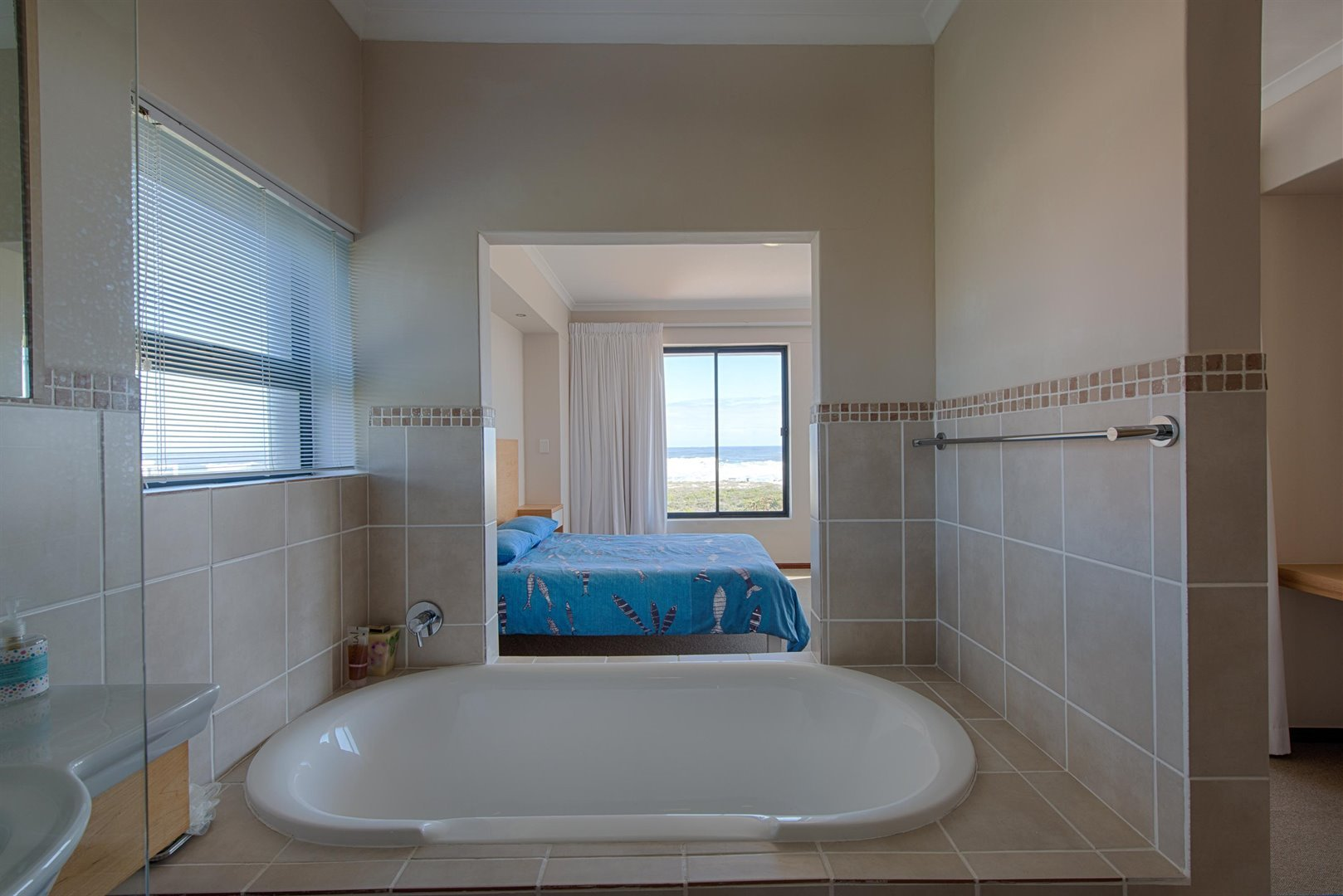 Yzerfontein property for sale. Ref No: 13373287. Picture no 53