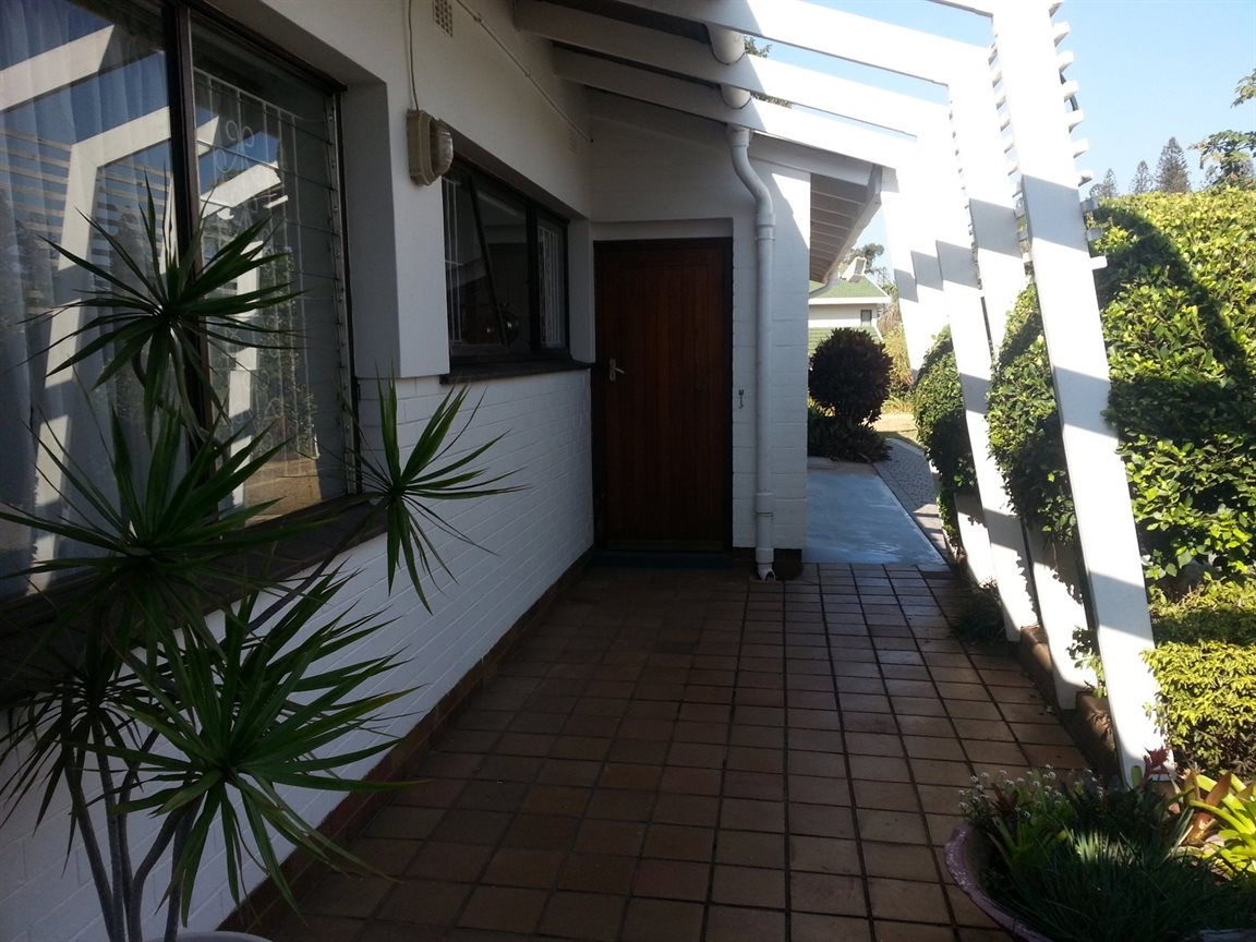 Umkomaas property for sale. Ref No: 12798074. Picture no 16