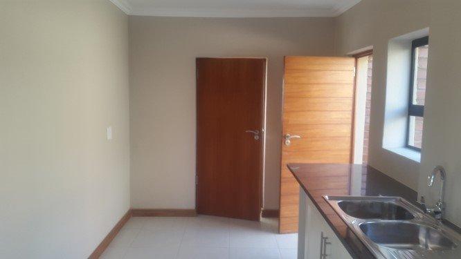 Copperleaf Estate property for sale. Ref No: 13327944. Picture no 9