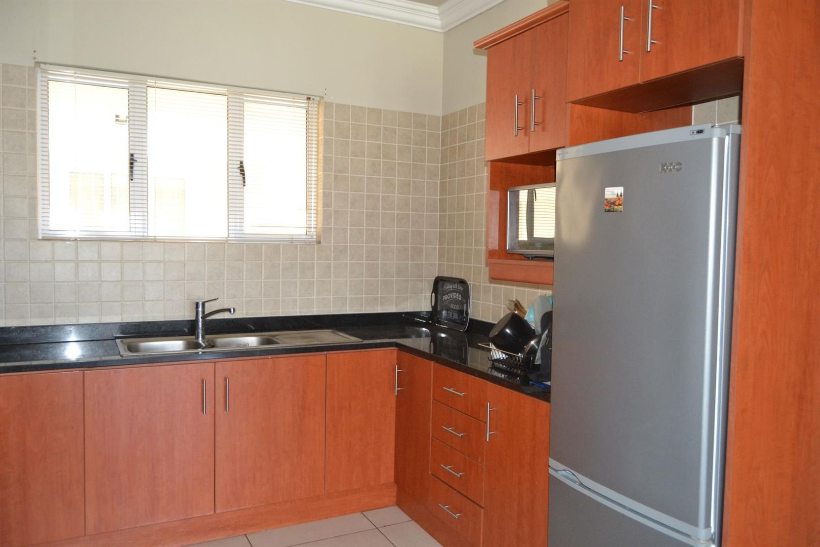 Worcester Central property for sale. Ref No: 13410617. Picture no 13