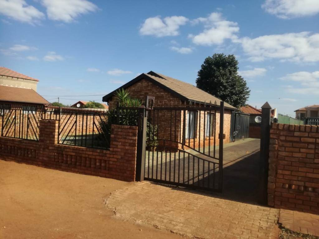 Mabopane, Mabopane Property  | Houses For Sale Mabopane, Mabopane, House 3 bedrooms property for sale Price:576,000