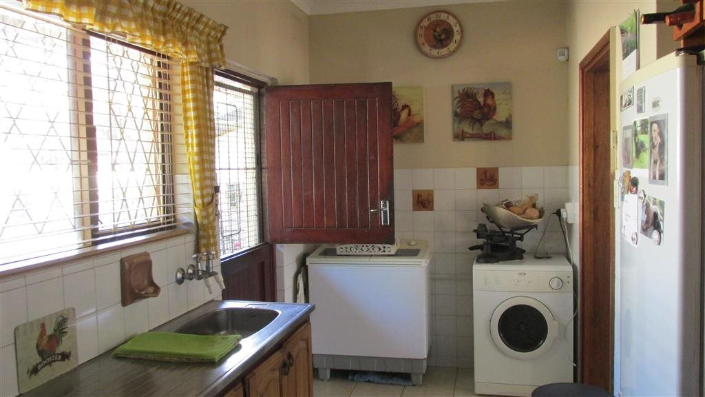 Shelly Beach property for sale. Ref No: 13361053. Picture no 14
