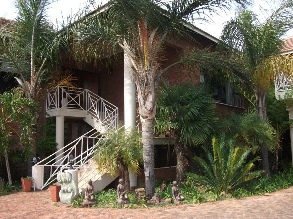 Irene Glen Estate property for sale. Ref No: 12758786. Picture no 5