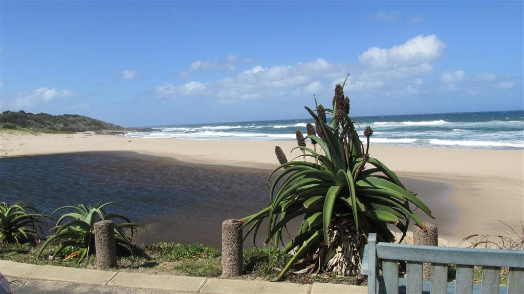 Marina Beach property for sale. Ref No: 12766321. Picture no 5