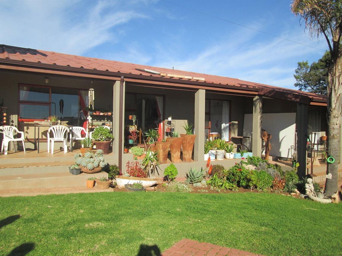 Vredenburg property for sale. Ref No: 13353056. Picture no 7