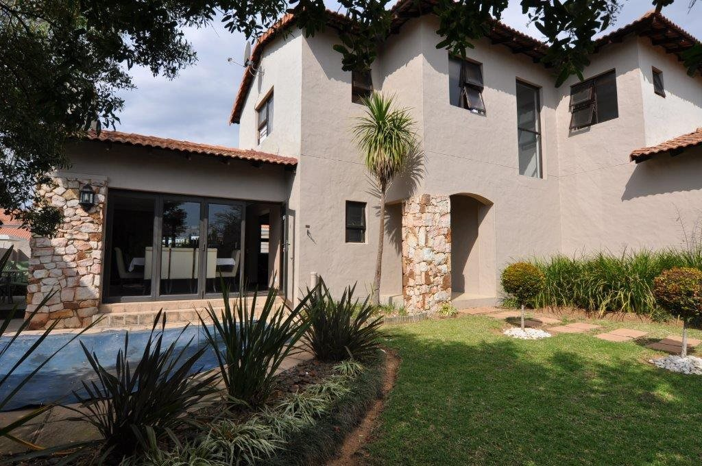 Sandton, Broadacres Property  | Houses To Rent Broadacres, Broadacres, House 3 bedrooms property to rent Price:, 16,00*
