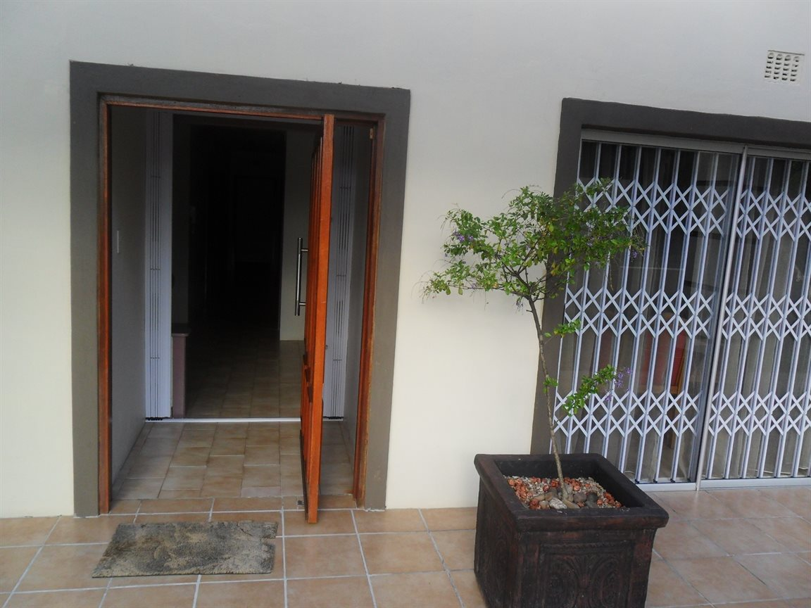 Property and Houses to rent in Scottburgh Central, House, 4 Bedrooms - ZAR , 15,00*,M